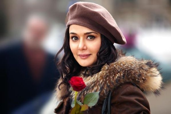 preity-zinta-ishkq-in-paris-moviestills-Raag.fm_