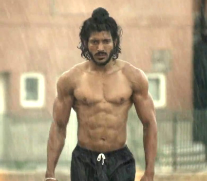 Farhan Akhtar in Bhaag Milkha Bhaag as Sikh