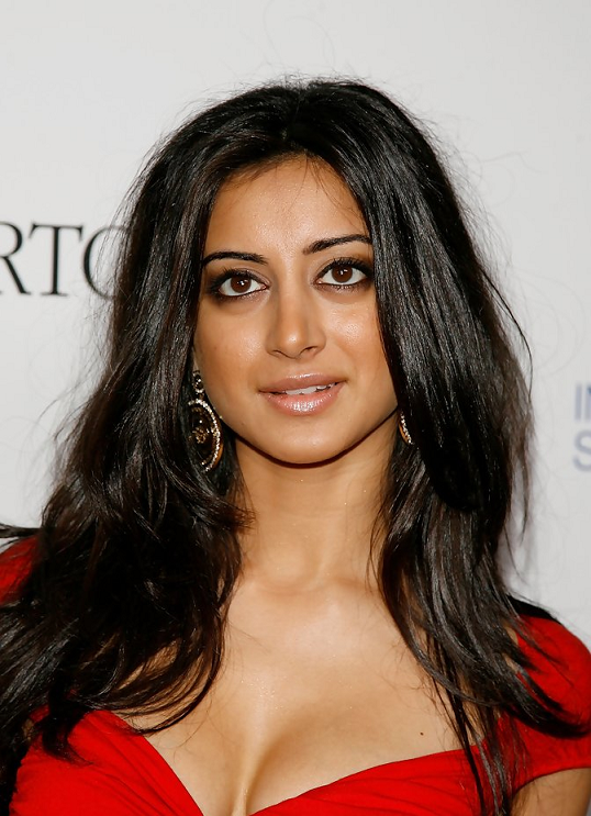 Noureen DeWulf Indian Actress in Hollywood