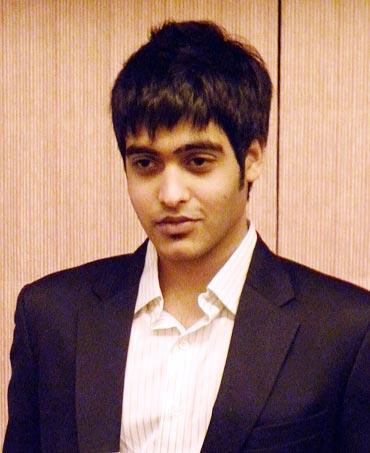 Sakshi Khanna Son of Vinod Khanna