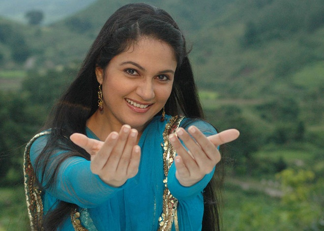 Gracy Singh in Lagaan and Munna Bhai MBBS