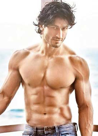 Top 10 Bollywood Actors with Best Body/Physique